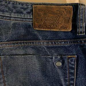 Diesel jeans dark wash size 38-32